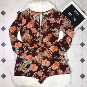 NWT Rewind floral print romper with pockets sz XS